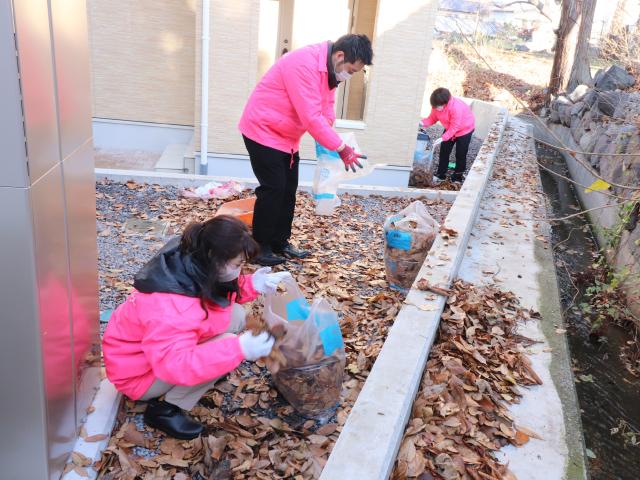 【分譲地清掃のお手伝い】落ち葉清掃を行いました